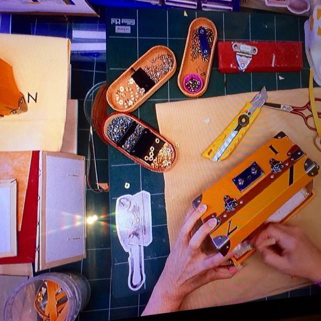 Constructing LV clutchbag
